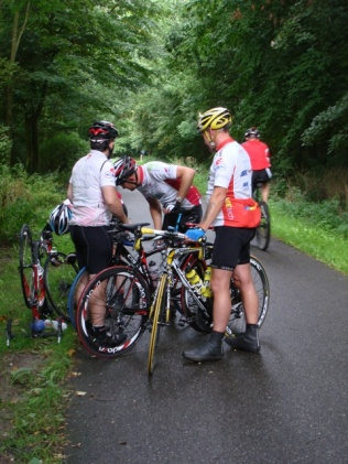 How many cyclists does it take to mend a puncture?